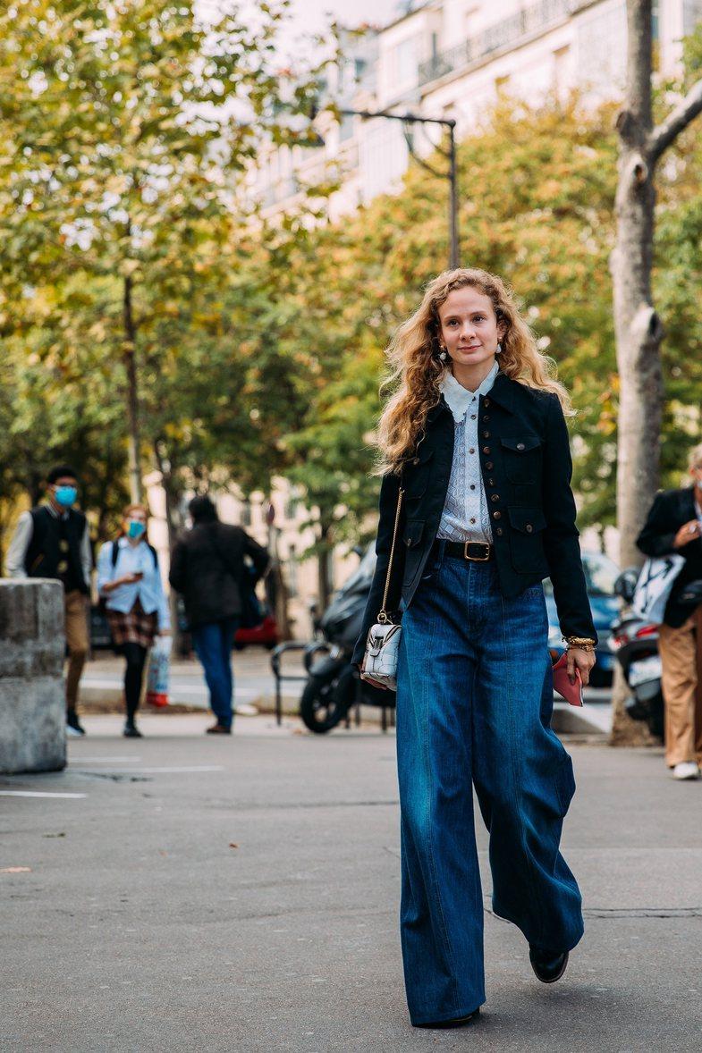 Street Style në Paris: 8 formula të suksesshme kombinimesh vjeshte