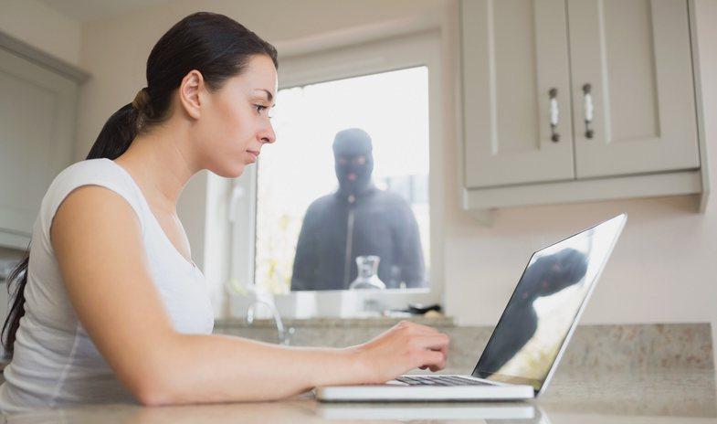 Studimi i ri për përndjekjen kibernetike dhe kërcënime