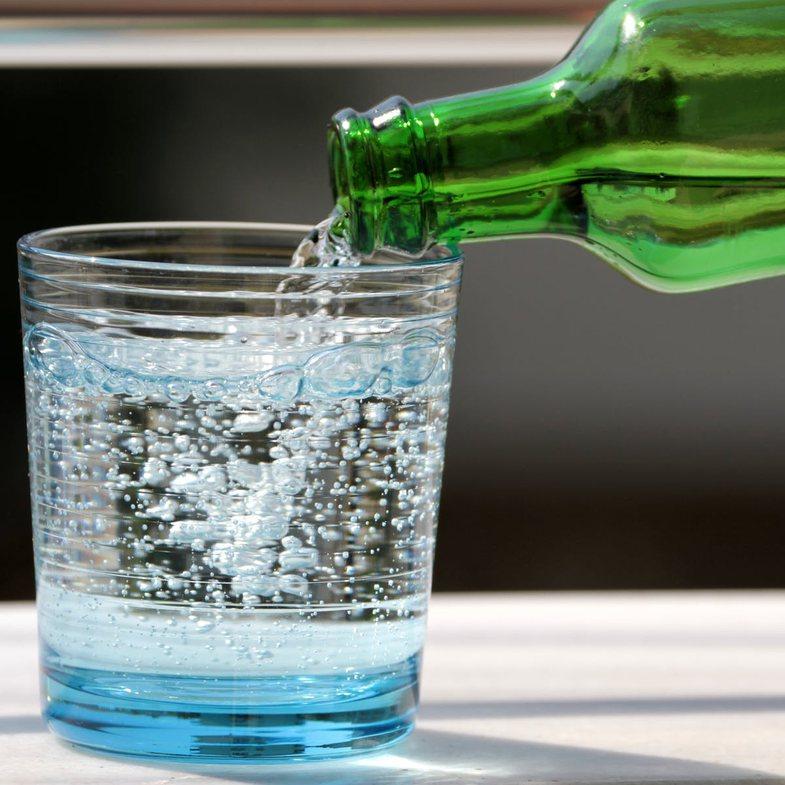 Uji i gazuar: I mirë apo i dëmshëm?