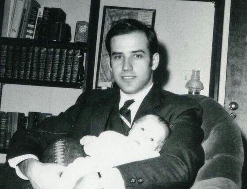 Post-zgjedhje: Njerëzit u fiksuan me fotografitë e Joe Biden në