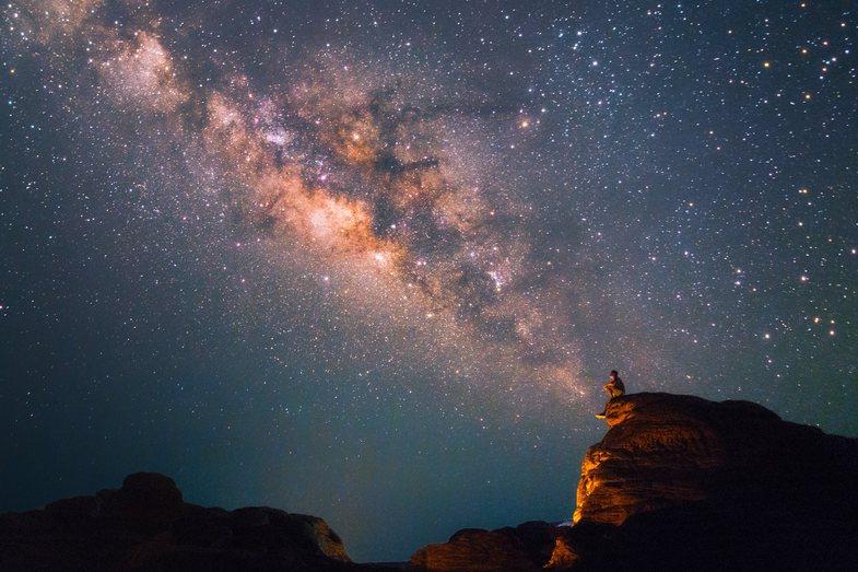 3 arsye pse 2021 do të jetë i mbarë, sipas astrologëve