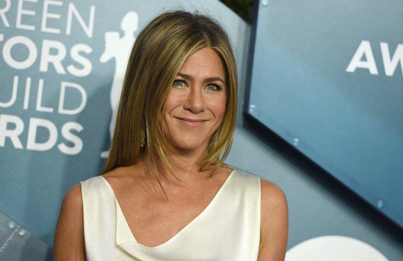 Pse Jennifer Aniston po iu sugjeron grave të përdorin kolagjen