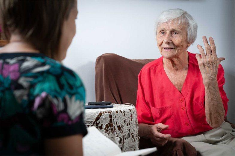 Kjo grua është 94 vjeç dhe thotë se sekreti i saj
