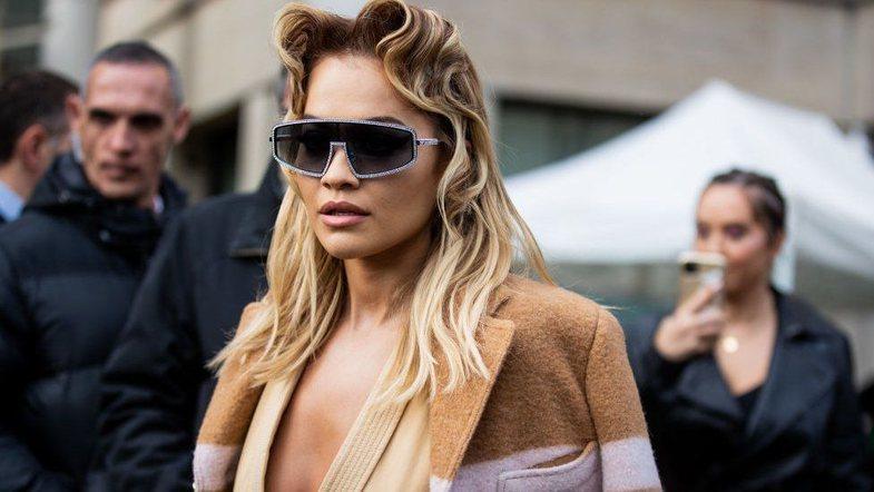 Rita Ora thyen rregullat e pandemisë për herë të dytë