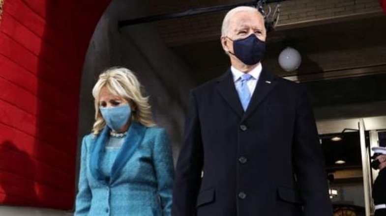 Ç'kuptim ka ngjyra lejla në veshjet e Michelle Obama, Hillary