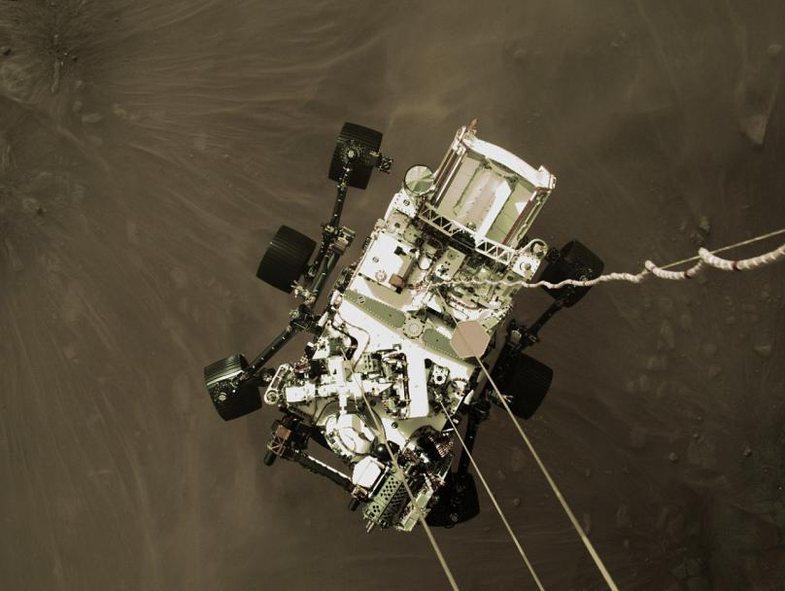 'Ikonike': NASA publikon fotot e para pas uljes në Mars