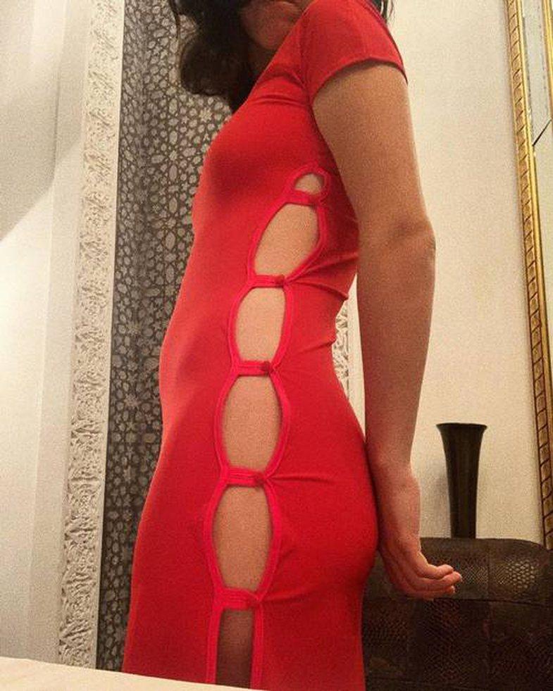Trendi i ri i fustaneve kërkon të ~mos~ keni të brendshme: