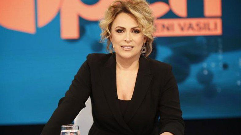 Eni Vasili, shtatzënë për herë të parë