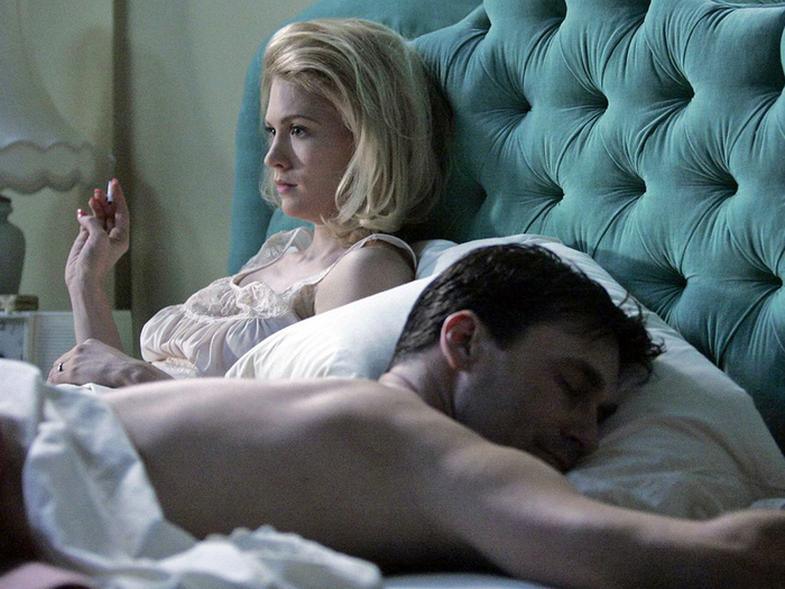 Pse sheh vazhdimisht në ëndërr sikur partneri të tradhton?