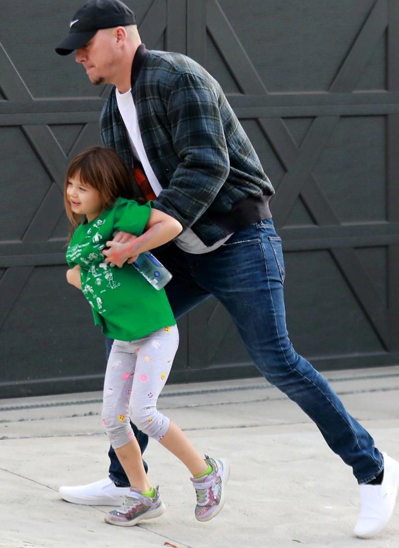 Channing Tatum la vajzën e tij t'i bënte makeup dhe s'duhet