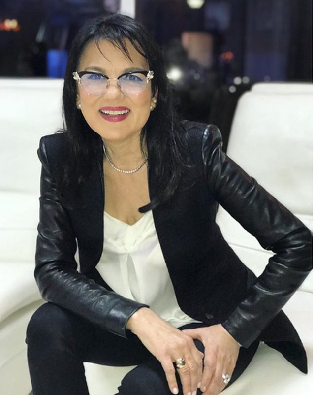 Exclusive / Vera Grabocka live broadcast live with broken knob