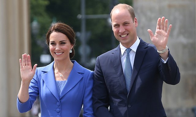 William And Kate Have A Christmas Card Prince Louis Takes