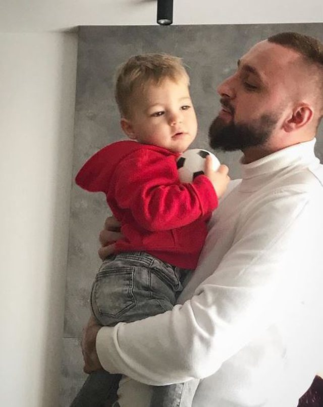 Emocionon for his son's birthday, Mike confirms once more that he is