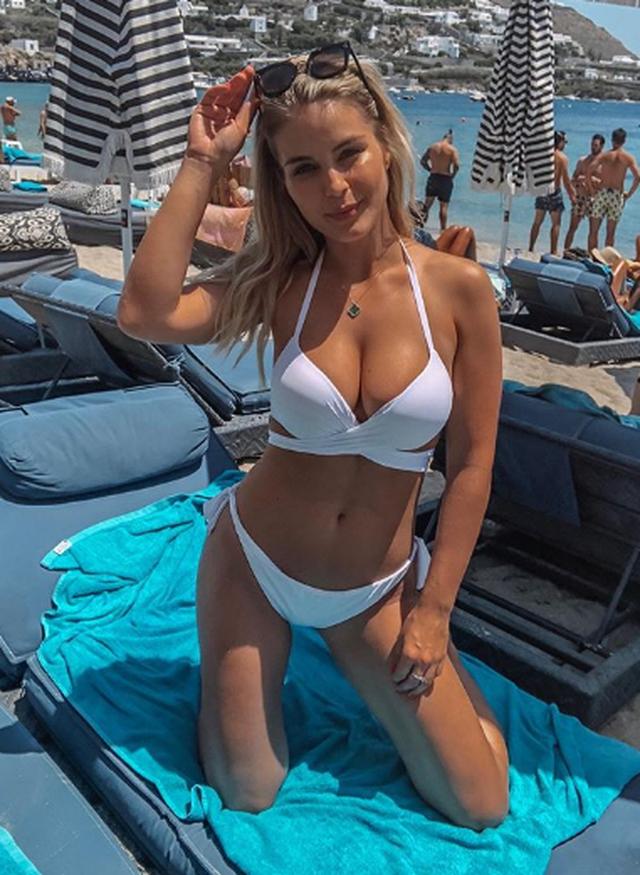 Albanian girls hot Top 15