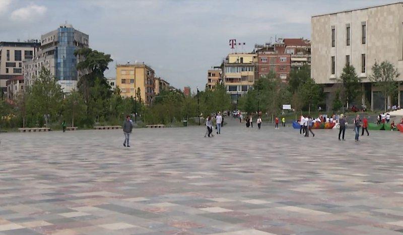 Studimi i 2019-s: 84% e shqiptarëve duan të ikin