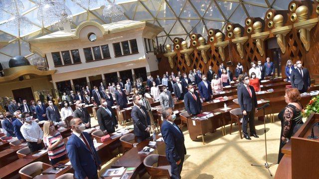 """Shkupi miraton rezolutën për """"vijat e kuqe"""" me Sofjen"""