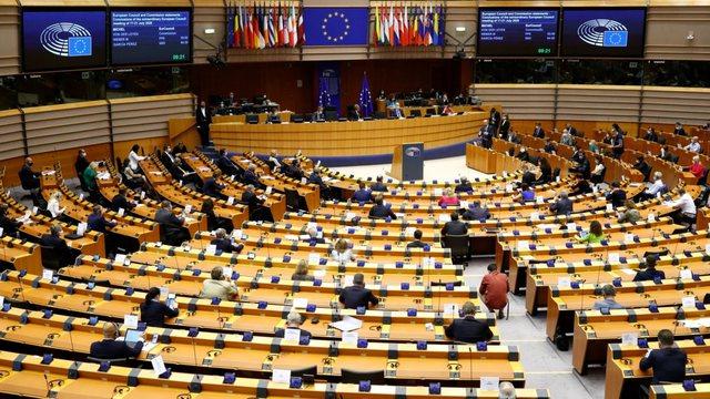 PE miraton rezolutë për të drejtën në abort të