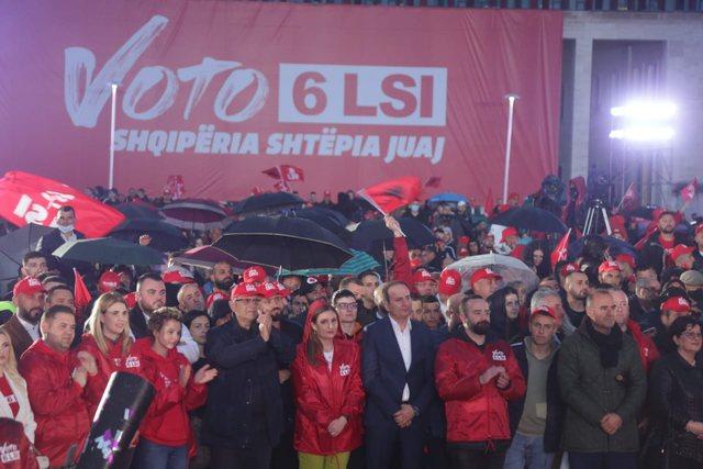 LSI mbyll fushatën, Kryemadhi: Të dielën shqiptarët të
