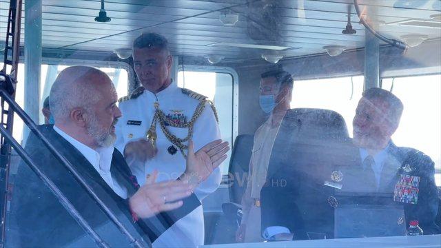 Rama e ambasadorja Kim një xhiro nëpër Adriatik me anijen