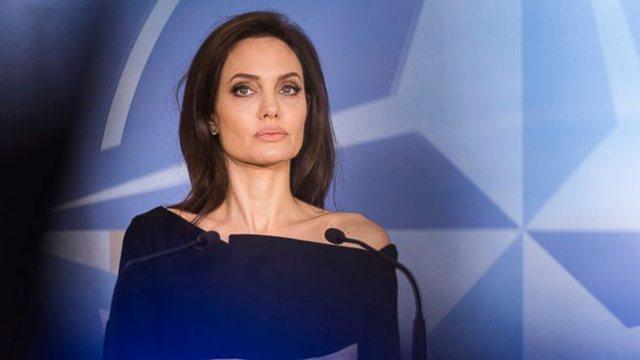 Angelina Jolie flet si rrallëherë për jetën personale: Kam