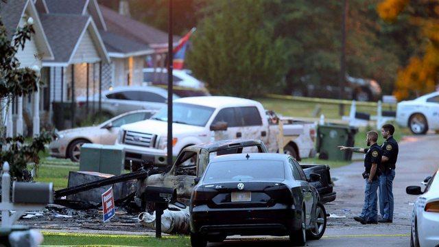 Avioni përplaset me shtëpinë, humbin jetën 4 persona