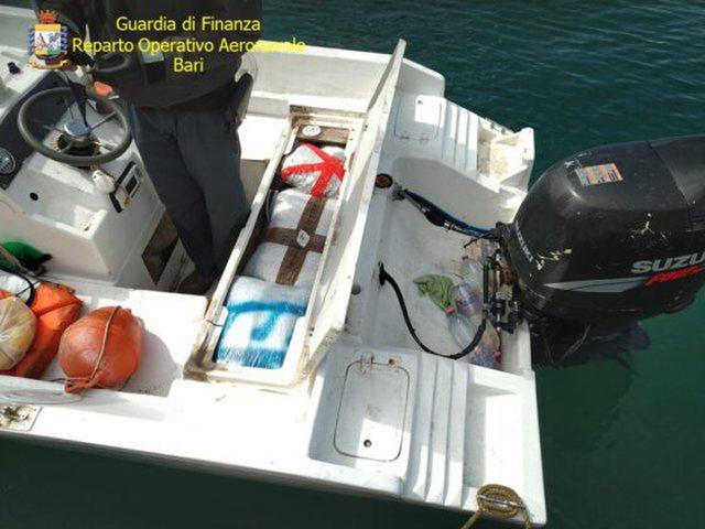 Shqiptari kapet me 4 milion euro drogë në Itali, gomonja ishte nisur