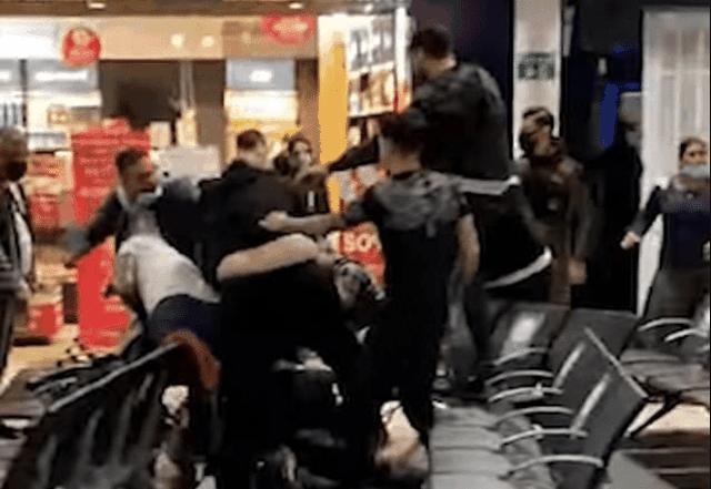 Me video/ Goditje me grushte dhe shqelma, sherr masiv në aeroport, 3