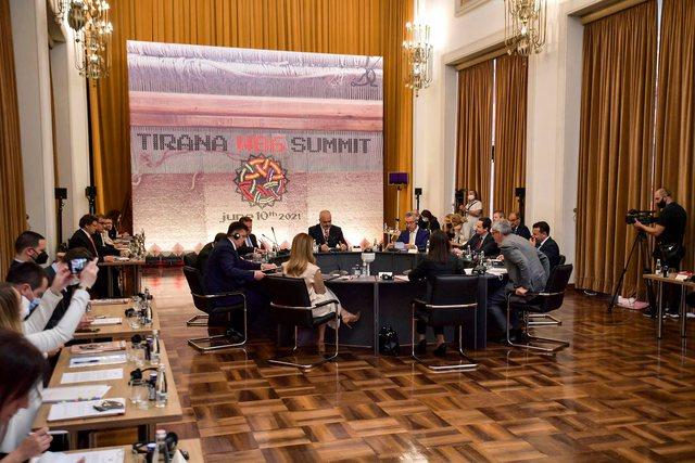 Përplasja në Tiranë, Kurti: Serbia të distancohet nga