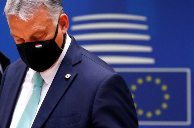 Orban dëshiron të ndalojë ndërrimin e gjinisë dhe