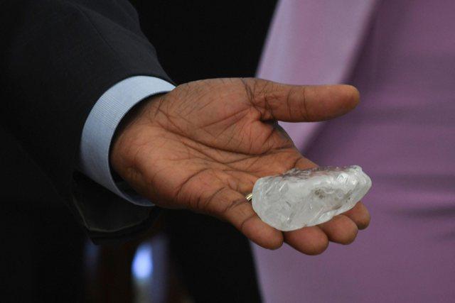 Gjendet diamanti i tretë më i madh në botë