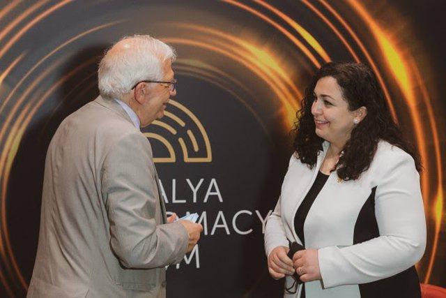 Borrell takon Osmanin: Procesi i dialogut do të vazhdojë