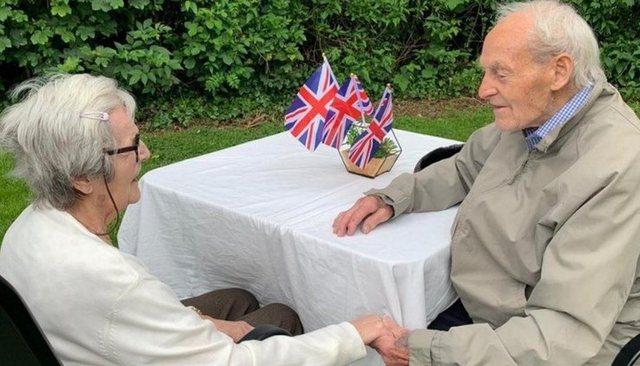 Binjakët 92-vjeçarë bashkohen sërish pas ndarjes nga