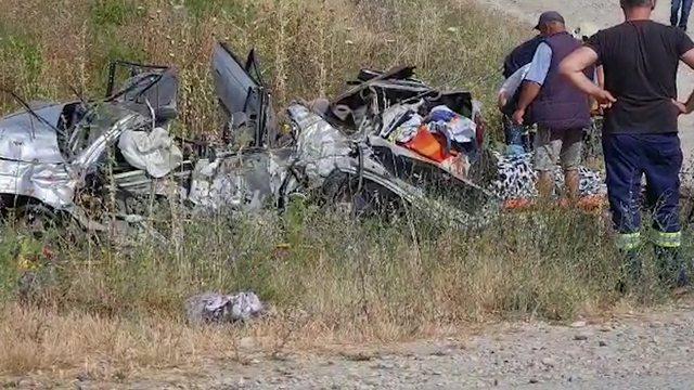 Aksident tragjik në Fier-Vlorë/ Humbin jetën 4 anëtarë