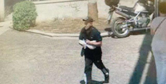 Video/ Shqiptari i arratisur nga burgu grabit bankën në mes të