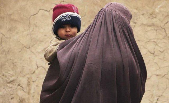 Mijëra refugjatët afganë në ditë shkojnë Turqi,