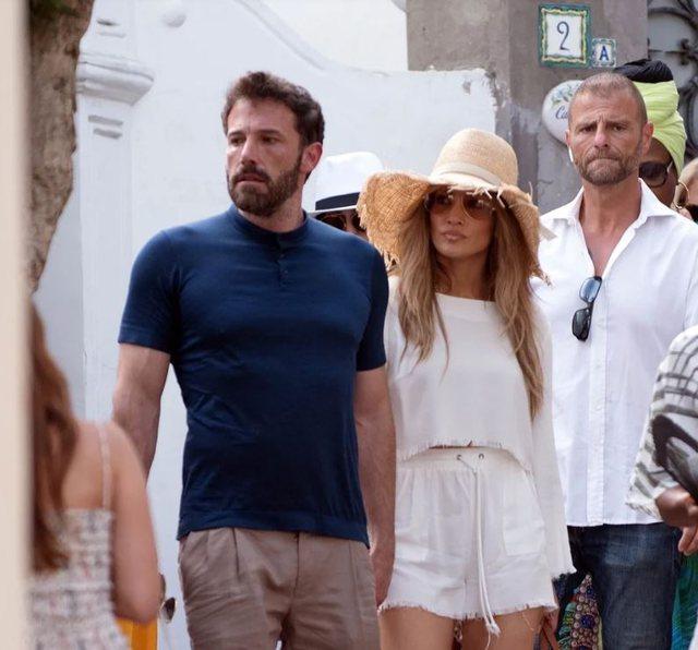 (Video) Jennifer Lopez dhe Ben Affleck shëtisin  dorë për dore