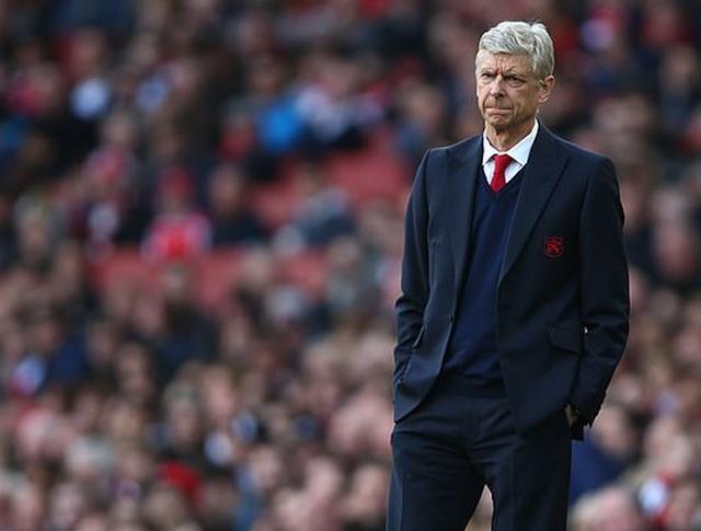 E bujshme, Arsene Wenger rikthehet në stol për të marrë