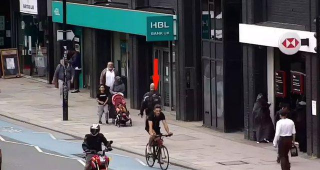 Video / Çiklisti shqiptar përplasi për vdekje të moshuarin