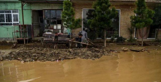 Video nga përmbytjet vdekjeprurëse në Afganistan, shënohen