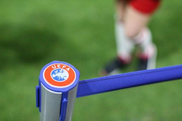 UEFA jep autorizimin. Superkupa e Europës do të luhet me 13 mijë