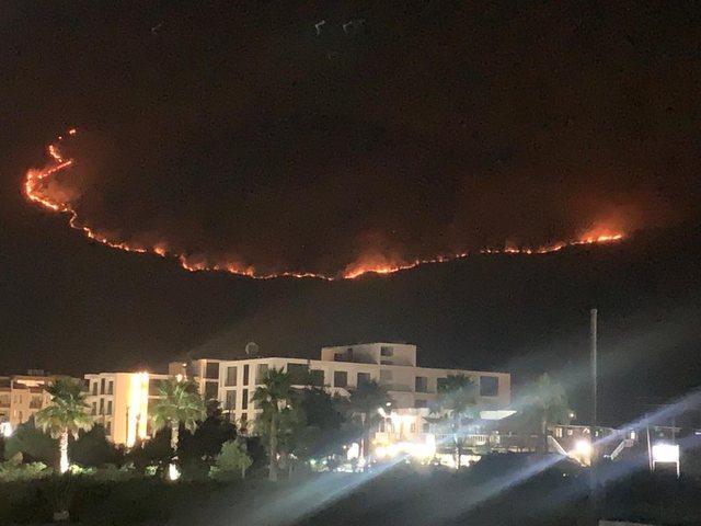 Pamjet e kurorës së zjarrit në Karaburun