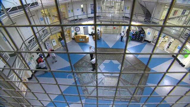 Britania, burg të ri për shqiptarët/ Gjonaj, kërkesë