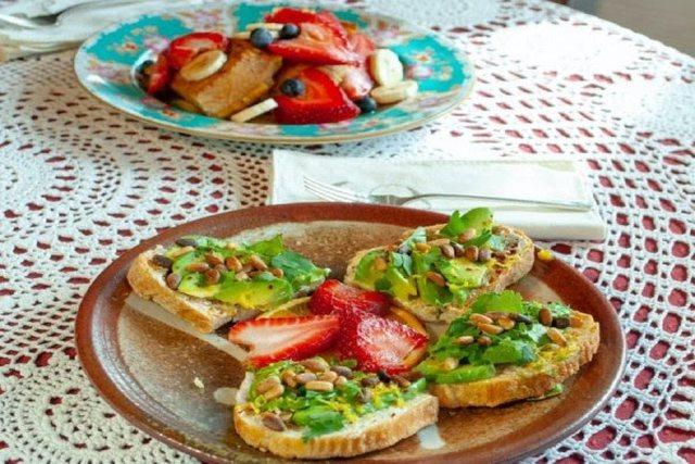 Ushqimet që mund ta ngadalësojnë plakjen