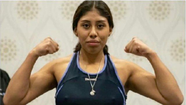 U rrëzua në ring, talentja e boksit 18-vjeçare vdes pas