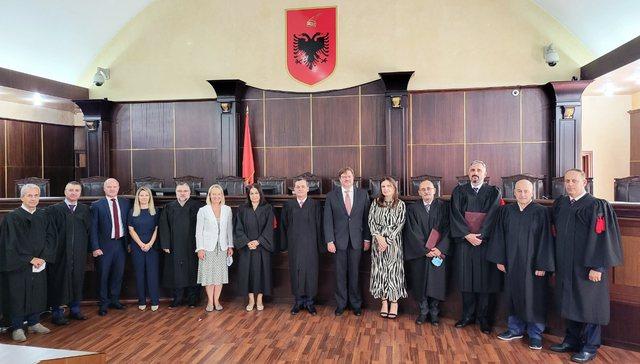 Kalaja dhe Vokshi nisën detyrën në Gjykatën e Lartë,