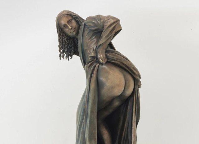 """""""Moona Lisa"""" tregon të pasmet në muzeun në Angli"""