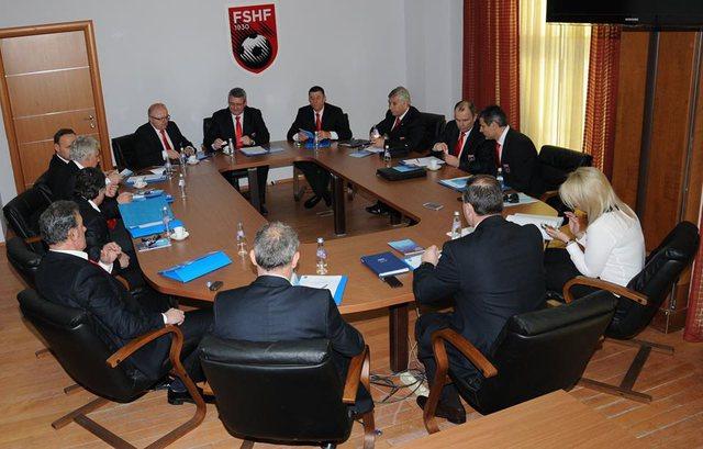 FSHF, mblidhet Komiteti Ekzekutiv, i jep prioritet projektit të 100 Fushave