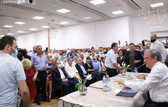 Nga Nishani, Noka, Shehu e deri tek Paloka, deputetë e ish-deputetë