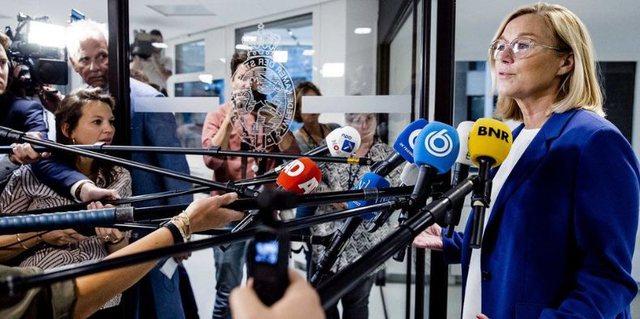 Ministrja holandeze jep dorëheqjen, pranon  se ka keqmenaxhuar krizën