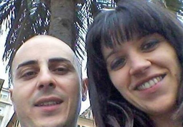Tragjedia në Itali/ Masakroi me thikë gruan dhe djalin
